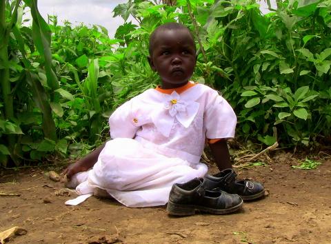 Refugee girl by Heidenstrom
