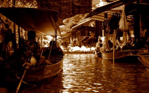 Damnoensaduak Floating Market, Thailand #Canon @Heidenstrom